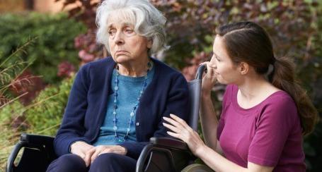 Le-implicazioni-degli-stili-di-attaccamento-nella-relazione-tra-caregiver-e-pazienti-affetti-da-demenza_Fotolia_91859470_Subscription_Monthly_M-Copia