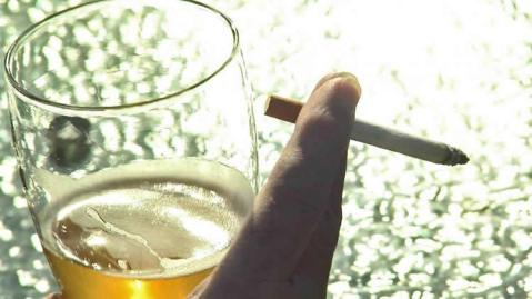 smoking-drinking-psychology